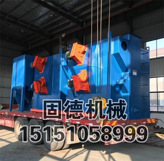 Q3710吊钩式抛丸清理机发货现场,1吨单吊钩,两台一起装车,辽宁葫芦岛走起