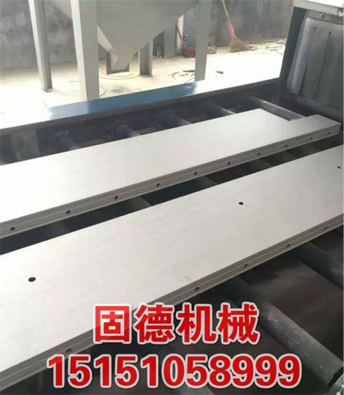 六抛头通过式抛丸机用于旧铝模板表面清砂清水泥混凝土,让铝模板焕然一新