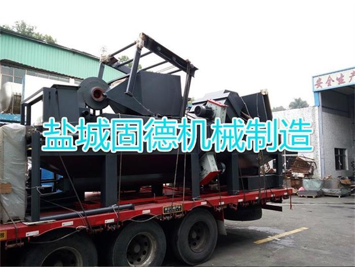 小型钢连续通过式抛丸机发往浙江慈溪